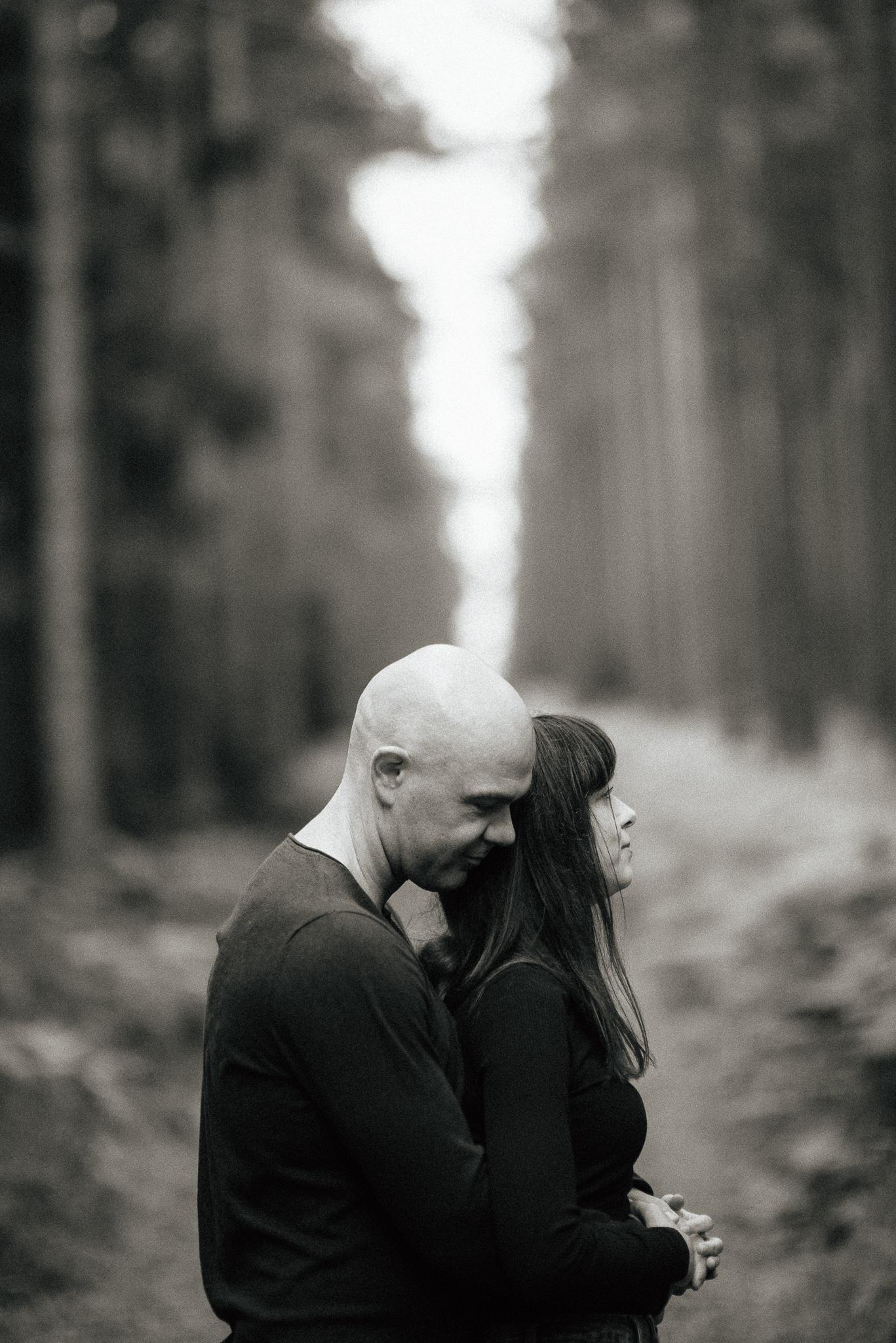 Timo Hess Fotografie Hochzeitsfotograf Coburg Erfurt Leipzig Engagementshoot Mit Franzi Und Christoph Im Thüringer Wald